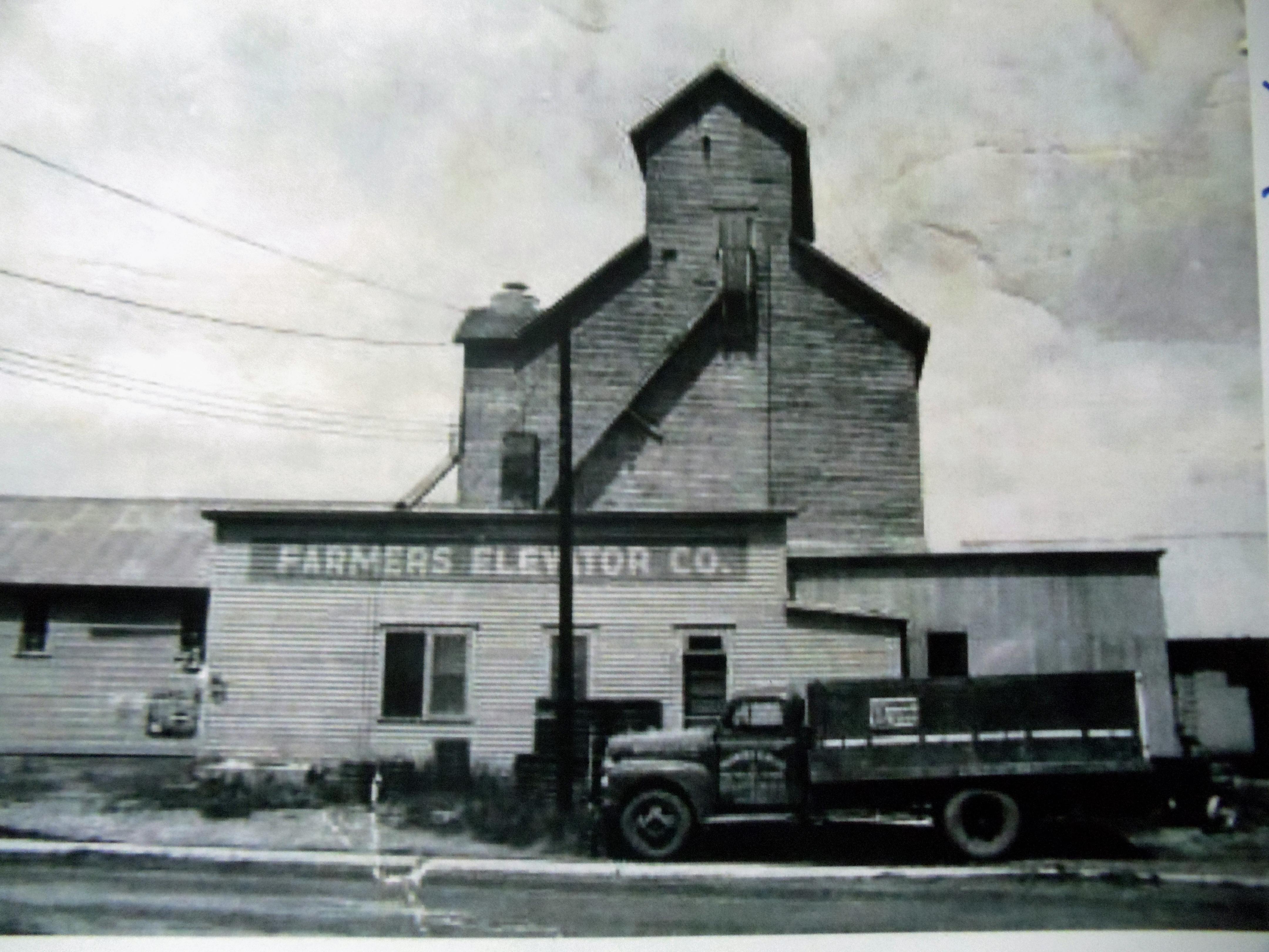 Farmers Elevator Co.